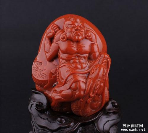 为什么大小南红玛瑙雕件的价格相差很大