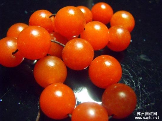 南红玛瑙不同产地樱桃红的特点