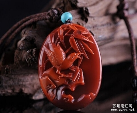 南红玛瑙植物题材雕件的讲究