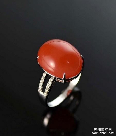 南红玛瑙戒指的镶嵌工艺