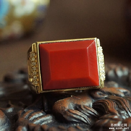 男士适合哪种南红玛瑙戒指?