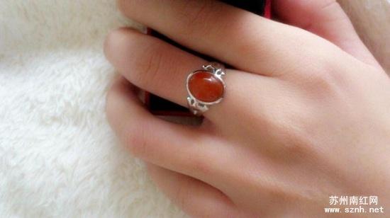 佩戴南红玛瑙戒指的日常注意事项