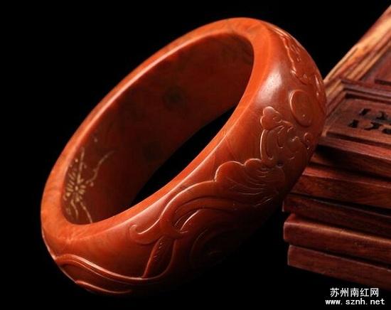 挑选南红玛瑙手镯尺寸大小很重要!