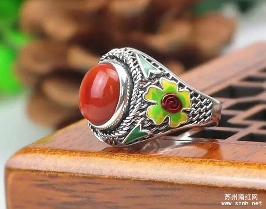 南红玛瑙戒指越戴越美的保养法则