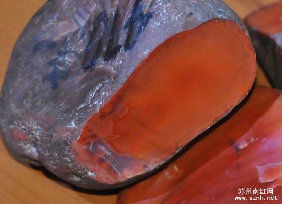 南红玛瑙原石收藏风险你了解多少?